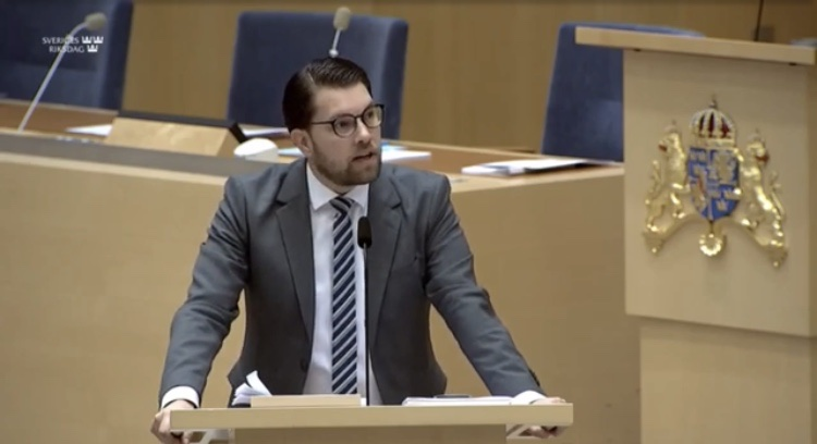 Sverigedemokraterna vill inte avskaffa skyddsombuden, de ska utses av arbetskamraterna oberoende avpartibok.